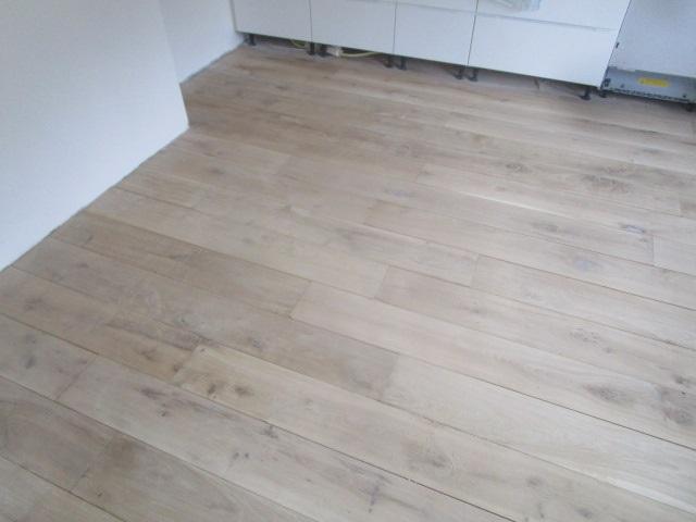 Parket laminaat.nu houten vloer renovatie schuren van houten